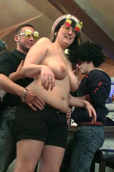 naked plump girls partying